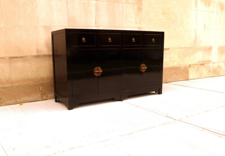 Fine Black Lacquer Sideboard In Excellent Condition For Sale In Greenwich, CT