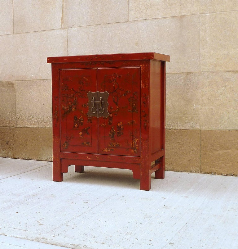 Early 20th Century Pair of Fine Red Lacquer Chests with Gilt Motif For Sale