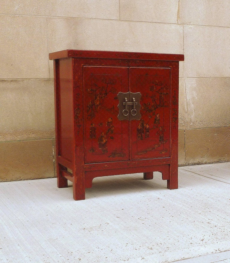 Pair of Fine Red Lacquer Chests with Gilt Motif For Sale 1