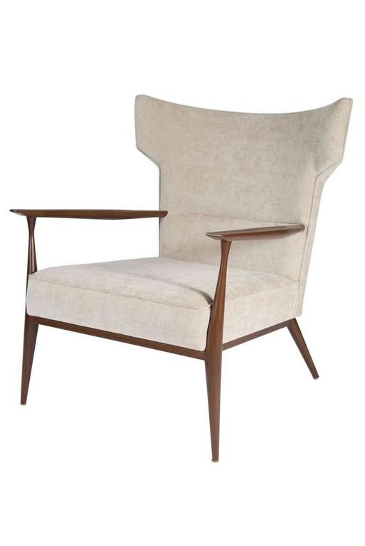 Morris Winged Back Armchair In Excellent Condition For Sale In New York, NY