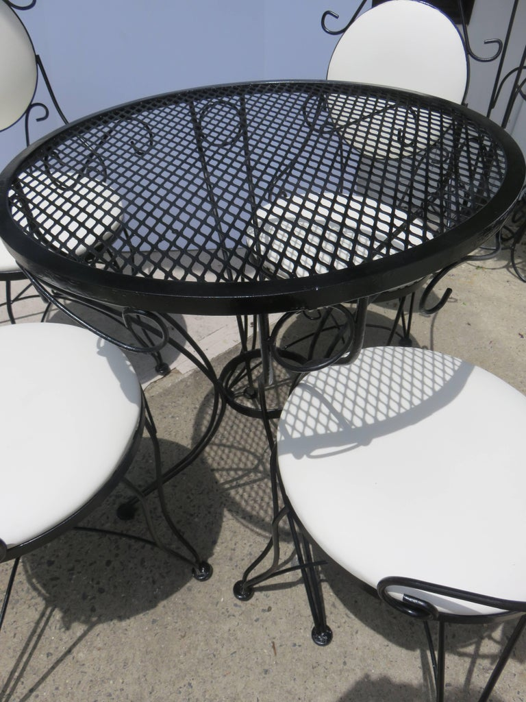 Mid-Century Modern Woodard Mid-Century, 1950-1950, Bistro Set For Sale