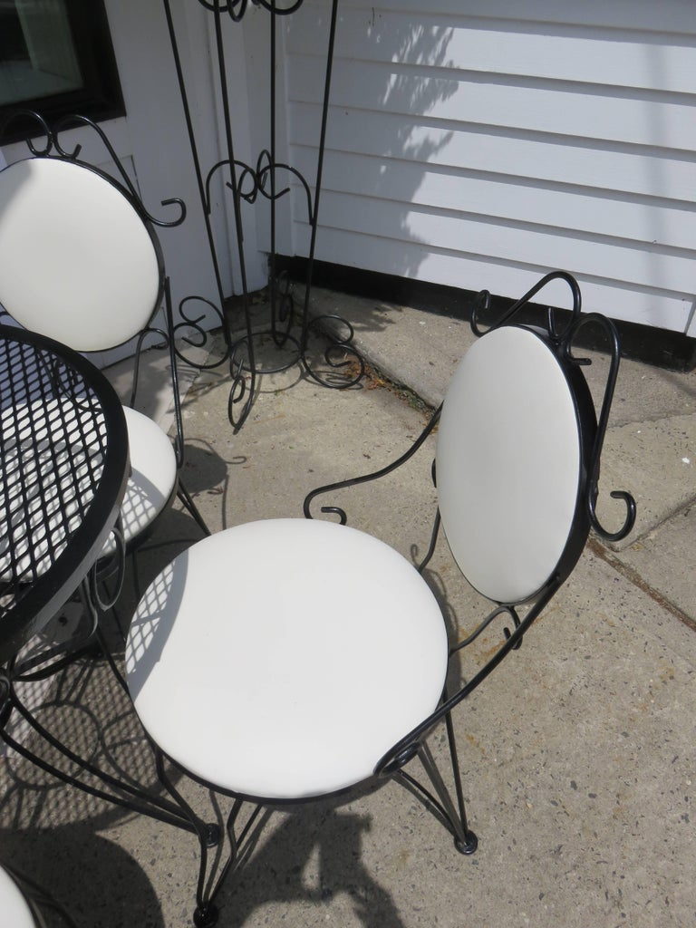 Woodard Mid-Century, 1950-1950, Bistro Set In Excellent Condition For Sale In Bellport, NY