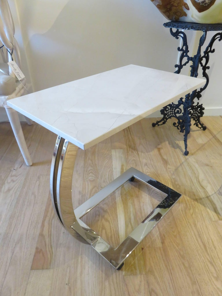 Pair of Marble and Chrome Side Tables In Excellent Condition For Sale In Bellport, NY