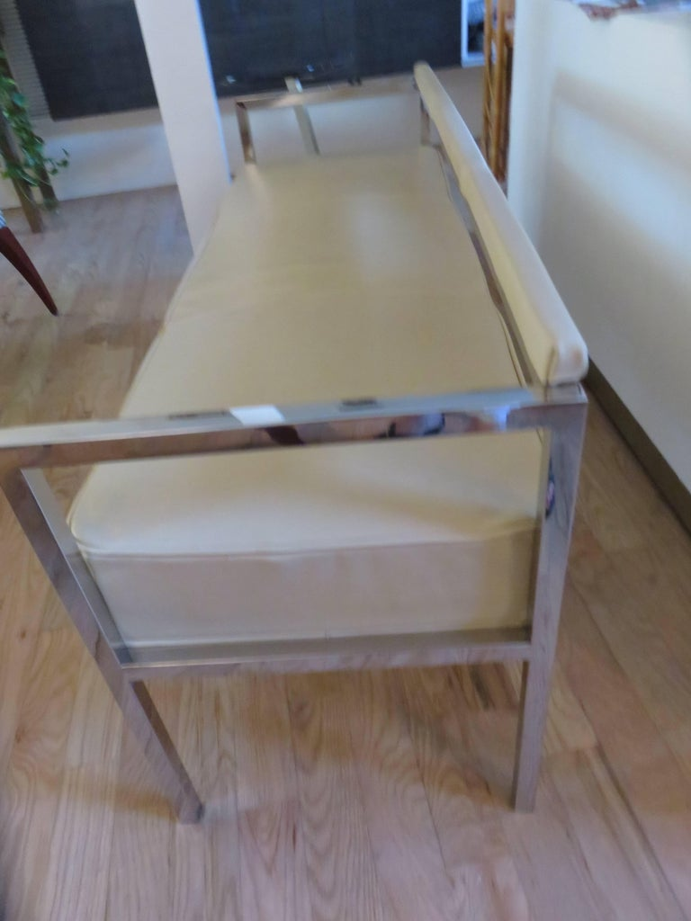 Leather and Chrome Bench-Settee In Excellent Condition For Sale In Bellport, NY
