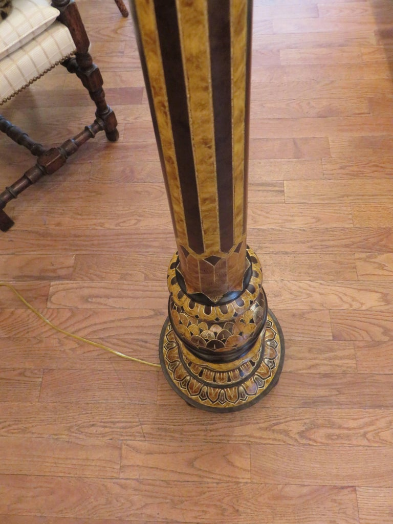 20th Century Hand-Carved Classical English  Decorated Floor Lamp For Sale