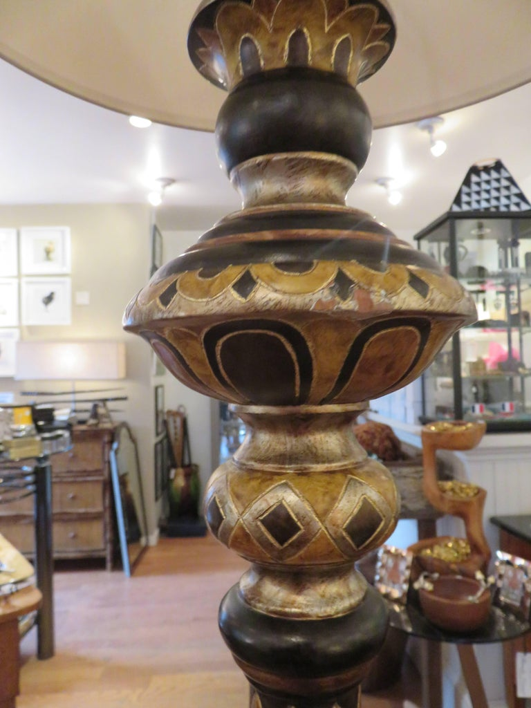 Ebony Hand-Carved Classical English  Decorated Floor Lamp For Sale