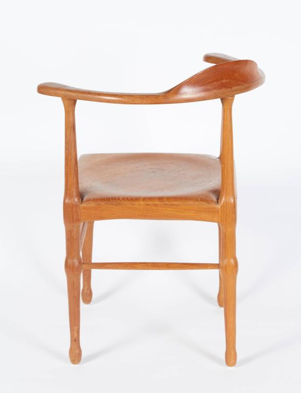 Vintage Model of Danish Mid-Century Corner Chair In Excellent Condition For Sale In New York, NY