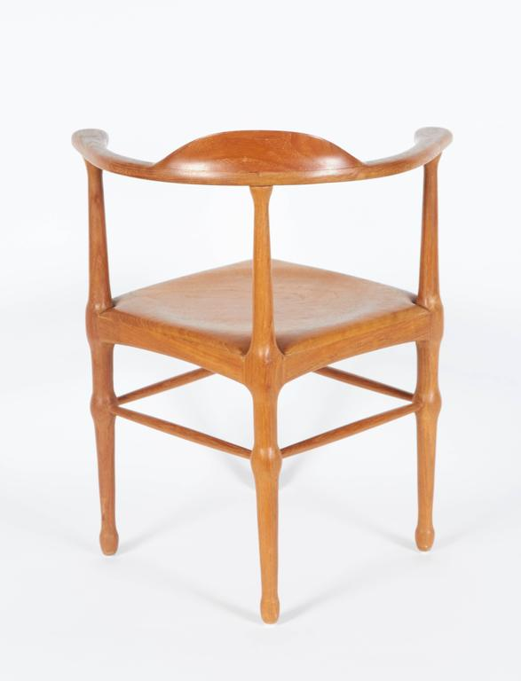 Mid-20th Century Vintage Model of Danish Mid-Century Corner Chair For Sale