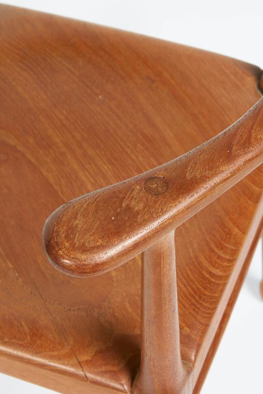 Vintage Model of Danish Mid-Century Corner Chair For Sale 1