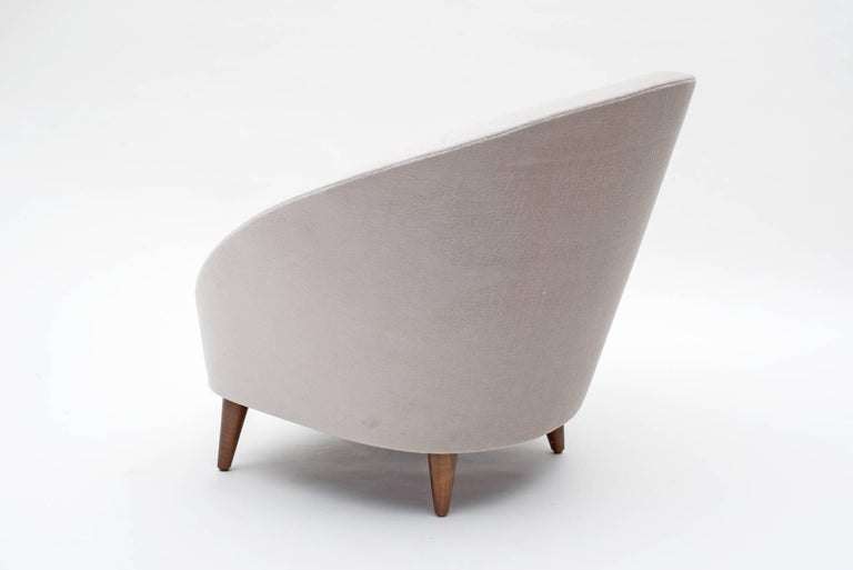 Pair of Mid-Century Italian Style Lounge Chairs 4