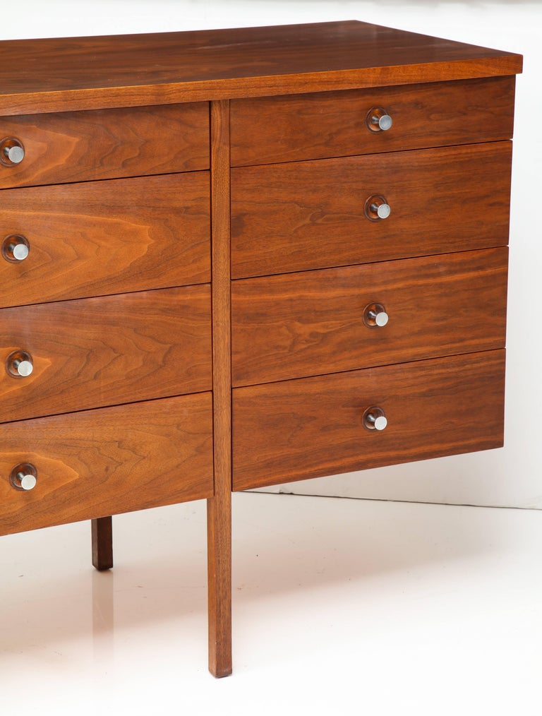 Paul McCobb Mid-Century Walnut Chest of Drawers or Sideboard, USA, 1960s In Excellent Condition For Sale In New York, NY