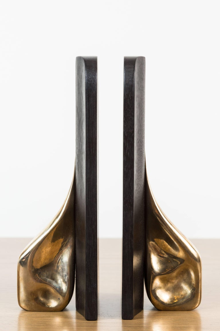 Mid-Century Modern Pair of Blackened Walnut and Brass Bookends by Vincent Pocsik for Lawson-Fenning For Sale