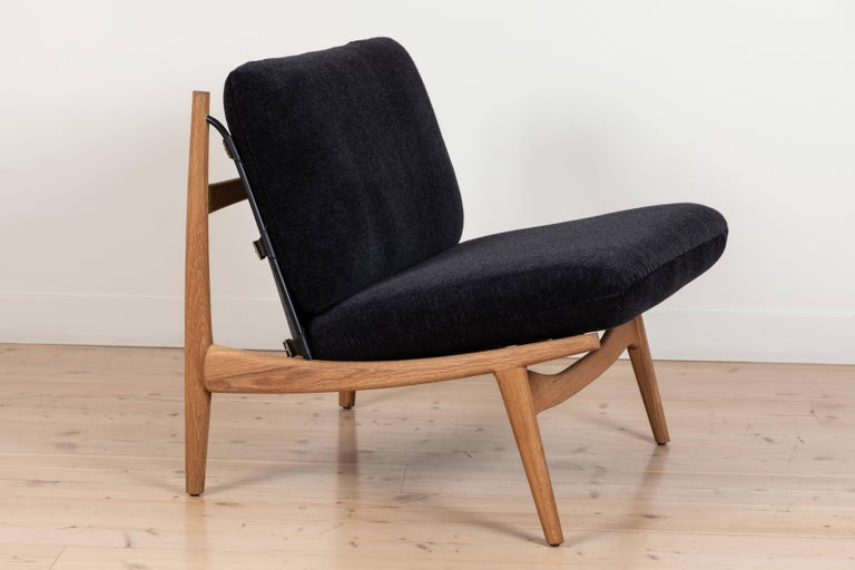 Contemporary Pair of Maker's Lounge Chairs by Lawson-Fenning For Sale