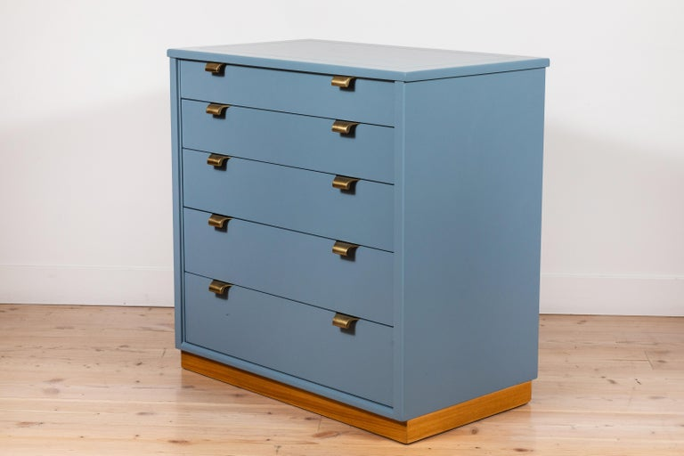 Pair of Vintage Chests by Edward Wormley for Drexel Precedent Line For Sale 2
