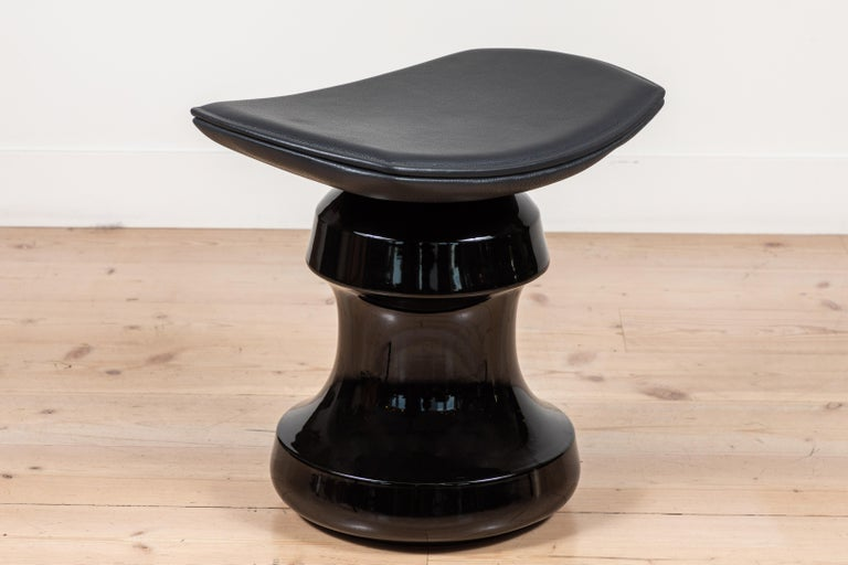 Contemporary Roi Stool by Collection Particuliere For Sale