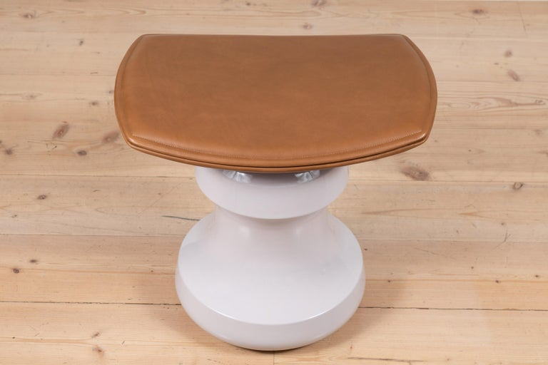 French Roi Stool by Collection Particulière For Sale
