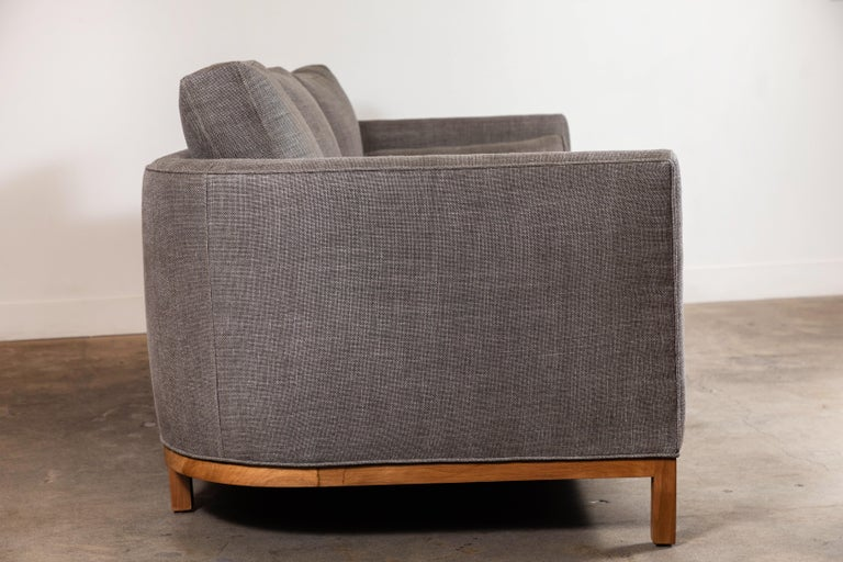 Curved Back Sofa by Lawson-Fenning For Sale 3