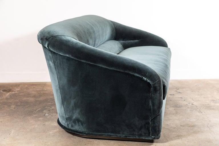 Huxley Sofa by Lawson-Fenning For Sale 2
