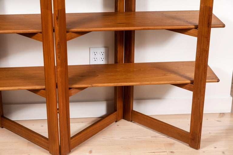 Vintage Danish Teak Bookshelf In Excellent Condition For Sale In Los Angeles, CA