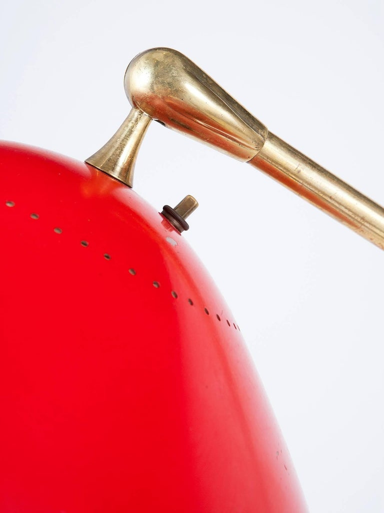 Stilnovo Italian Brass and Red Lacquer Adjustable Floor, Lamp, 1950s In Good Condition For Sale In New York, NY