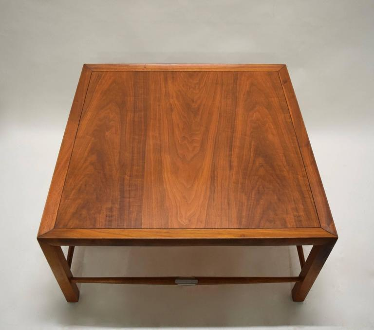 Heritage Henredon Coffee Table, USA, Circa 1960 In Excellent Condition For  Sale In Jersey