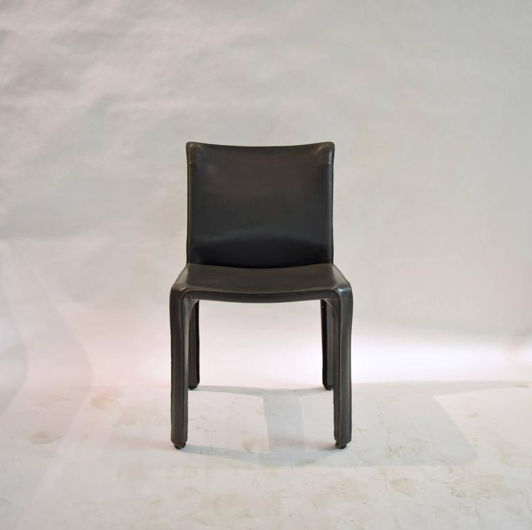 Pair of Gray Leather 412 CAB Chairs, Mario Bellini for Cassina In Excellent Condition For Sale In Jersey City, NJ
