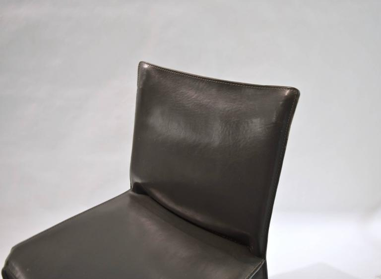 Pair of Gray Leather 412 CAB Chairs, Mario Bellini for Cassina For Sale 1