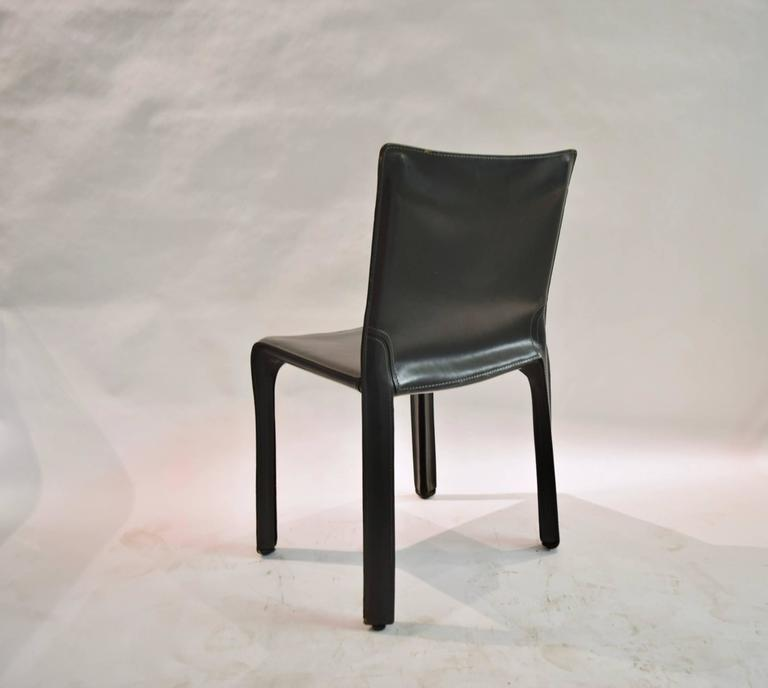 Pair of Gray Leather 412 CAB Chairs, Mario Bellini for Cassina For Sale 2