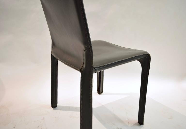 Pair of Gray Leather 412 CAB Chairs, Mario Bellini for Cassina For Sale 4