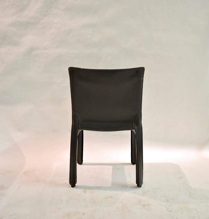 Pair of Gray Leather 412 CAB Chairs, Mario Bellini for Cassina For Sale 3
