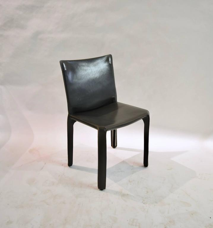 Pair of Gray Leather 412 CAB Chairs, Mario Bellini for Cassina For Sale 6