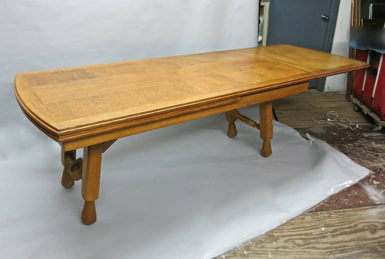 Extending Oak Dining Table by Guillerme et Chambron, France In Excellent Condition In Jersey City, NJ