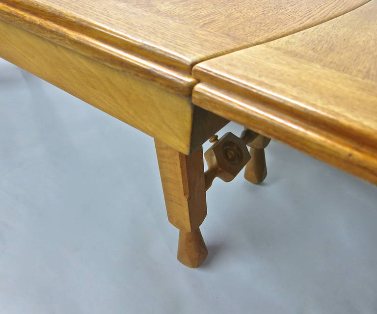 Mid-20th Century Extending Oak Dining Table by Guillerme et Chambron, France