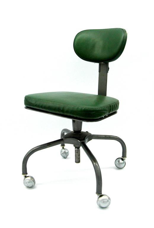 Air flow desk chair by cramer for sale at 1stdibs for Cramer furniture
