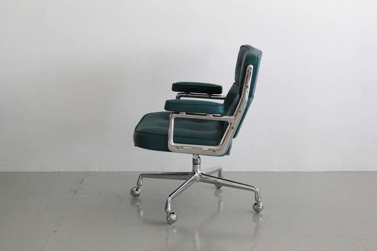 Aluminum Eames Time Life Chair For Sale