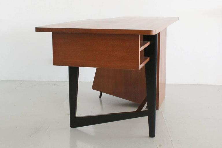 Claude Vassal Desk 5