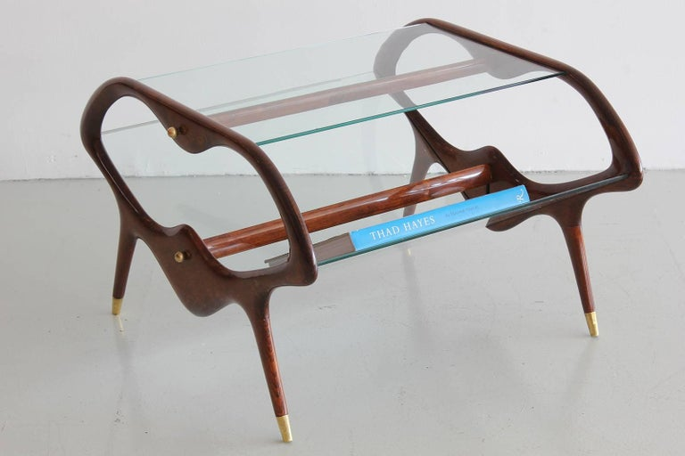 Italian Glass and Walnut Table and Magazine Stand In Good Condition For Sale In Los Angeles, CA