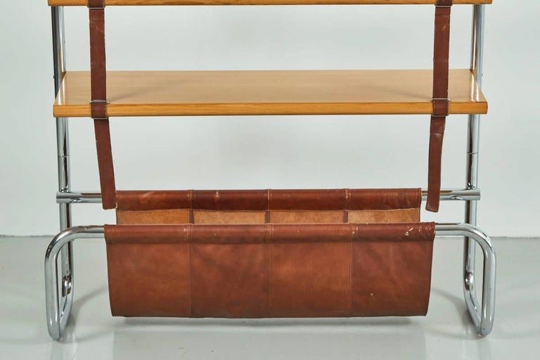 Mid-Century Modern Large Leather and Oak Wall Shelf by Luigi Massoni For Sale