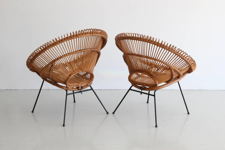 Mid-20th Century Pair of Rattan Chairs in the Style of Franco Albini For Sale