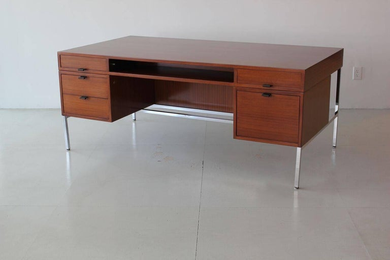 Joseph Andre Motte Presidential Desk In Good Condition For Sale In Los Angeles, CA