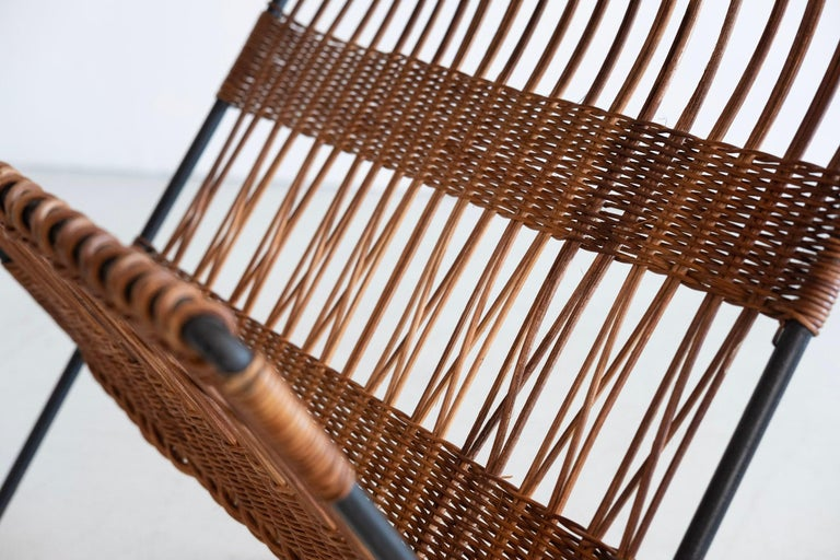 Italian Wicker and Iron Table / Magazine Rack For Sale 4