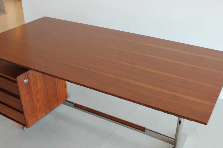 Gio Ponti Rosewood and Chrome Desk For Sale 1