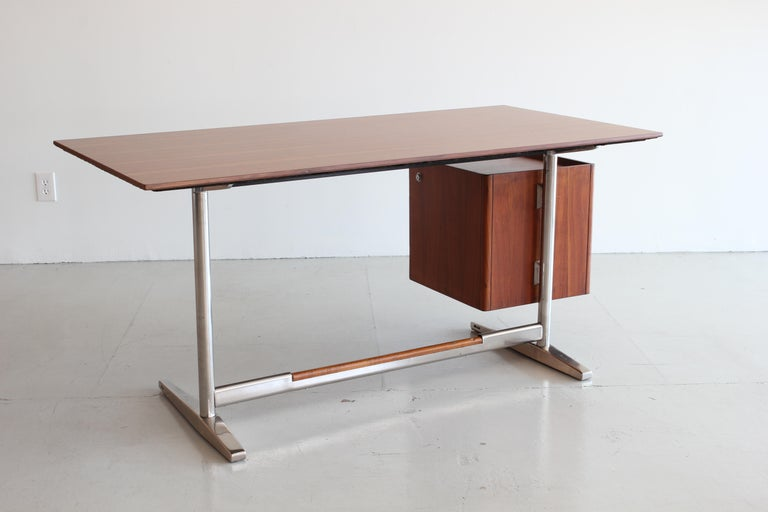 Gio Ponti Rosewood and Chrome Desk For Sale 4
