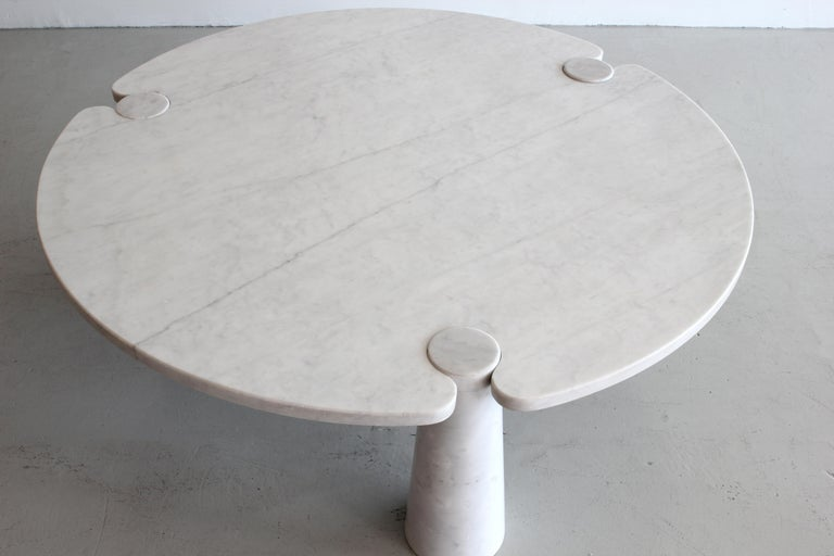 Angelo Mangiarotti Round Marble Eros Coffee Table In Good Condition For Sale In Los Angeles, CA