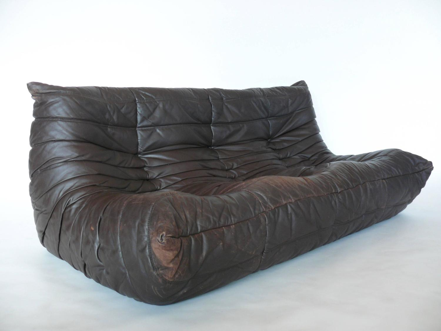 togo leather sofa by michel ducaroy for ligne roset at. Black Bedroom Furniture Sets. Home Design Ideas