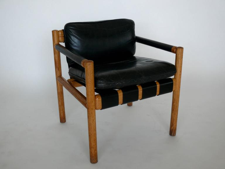 Italian Pair of Chairs Attributed to Carlo Scarpa For Sale