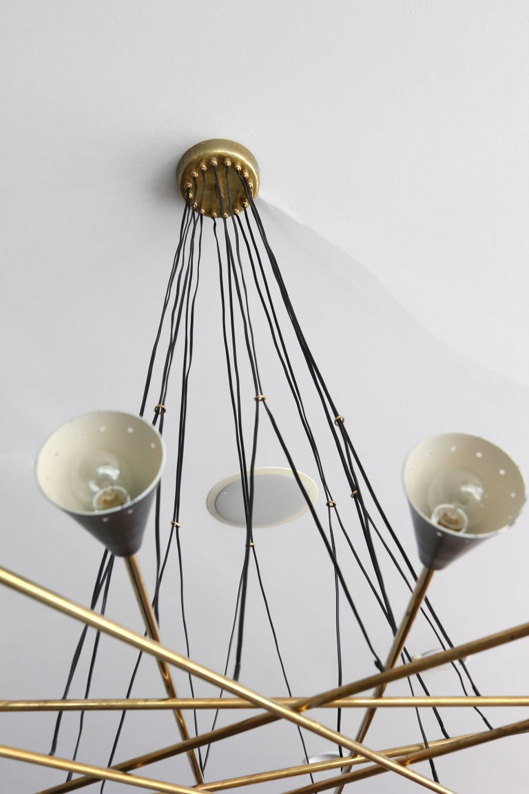 Italian Sixteen Shade Stilnovo Style Chandelier In Good Condition For Sale In Los Angeles, CA