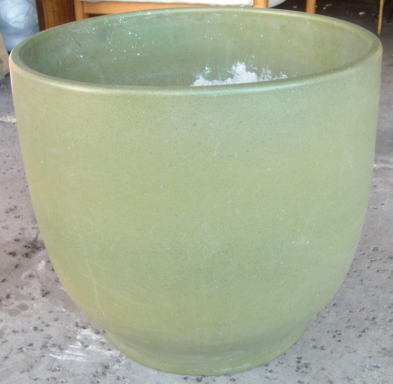 Just a very nice and large pottery planter, pot or jardinière by Gainey.