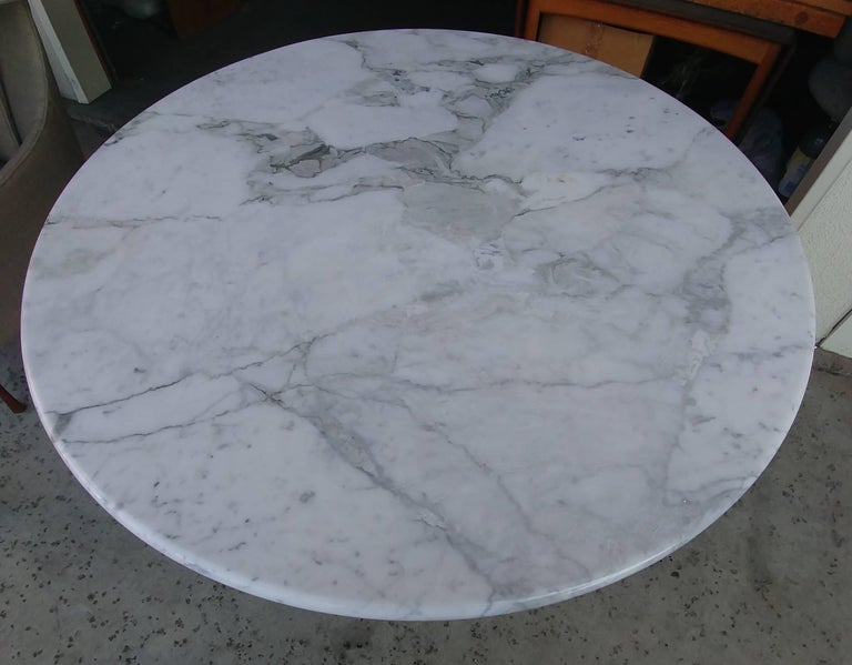 Modern Angelo Mangiarotti Round Carrara Marble Dining Table For Sale