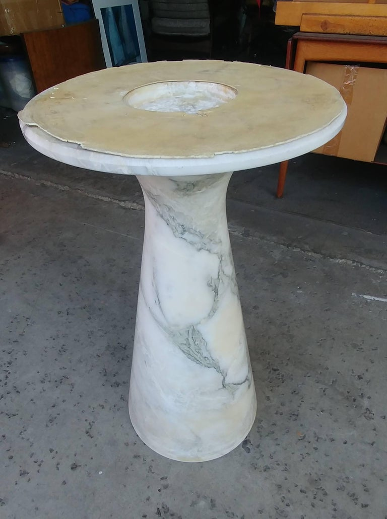 Italian Angelo Mangiarotti Round Carrara Marble Dining Table For Sale